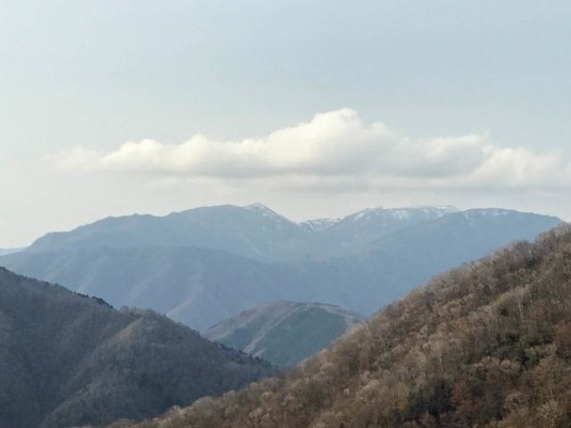 岩岳 ガレより能郷白山