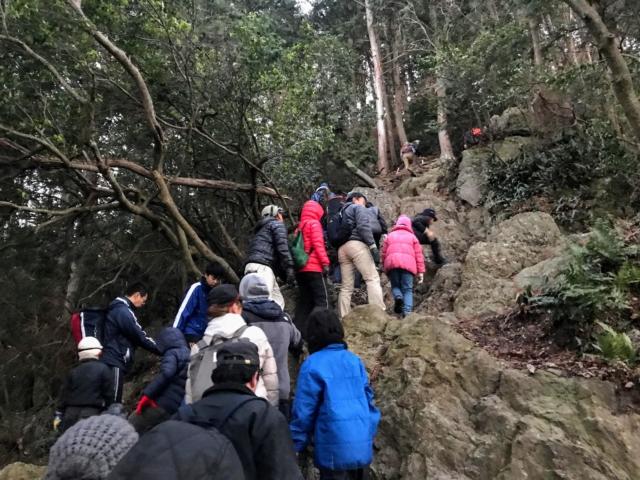 三上山 表登山道 大渋滞