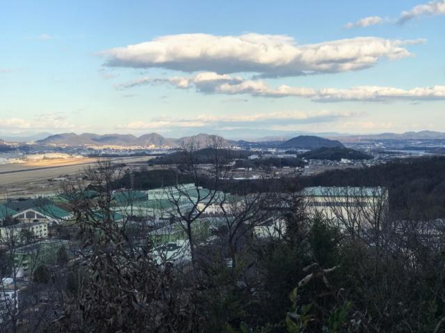 三井山 山頂から鳩吹山・継鹿尾山・伊木山